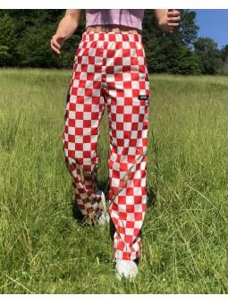 Pantalon satin à damier rouge